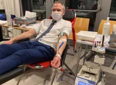 Matthias Diependaele geeft bloed